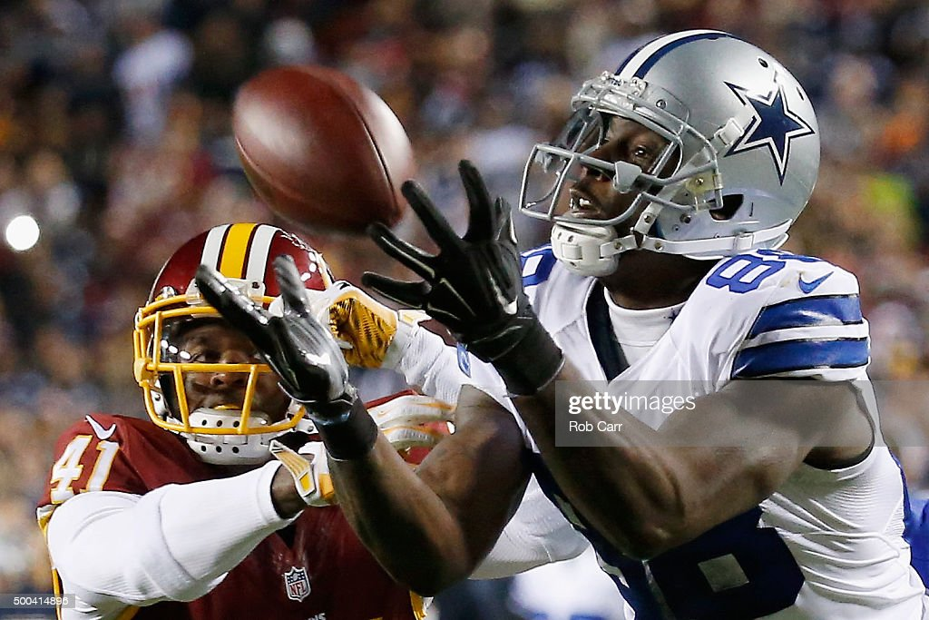 Wide receiver Dez Bryant #88 of the Dallas Cowboys catches a pass against cornerback Will Blackmon #41 of the Washington Redskins late in the fourth quarter at FedExField on December 7, 2015 in Landover, Maryland.