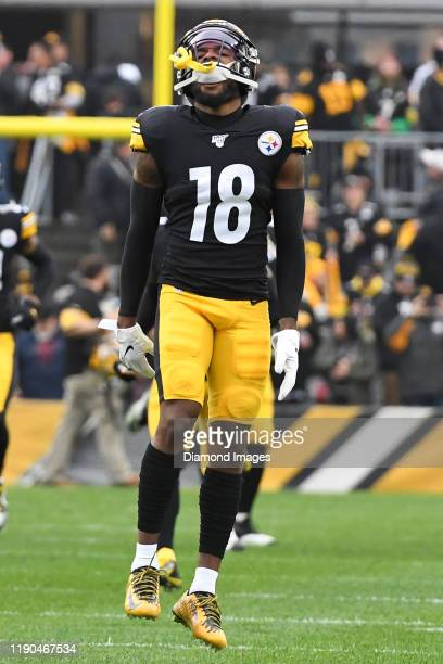 Wide receiver Diontae Johnson of the Pittsburgh Steelers runs onto the field prior to a game against the Cleveland Browns on December 1, 2019 at...