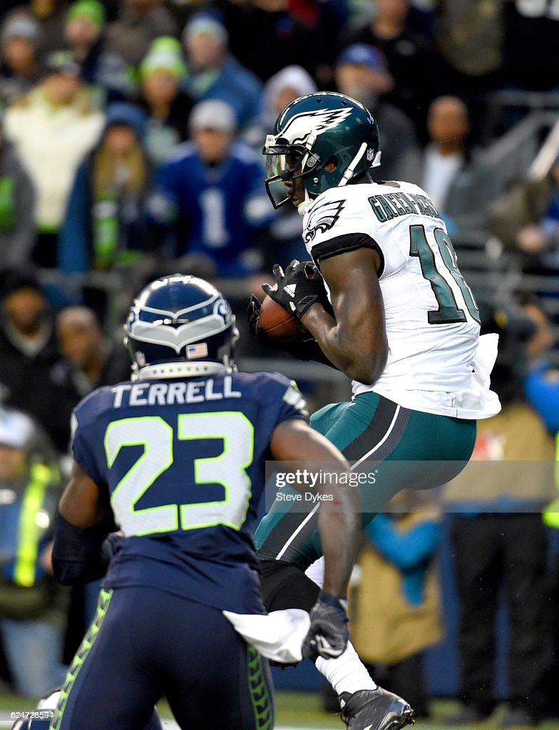 Wide receiver Dorial Green-Beckham #18 of the Philadelphia Eagles scores a touchdown against the Seattle Seahawks at CenturyLink Field on November 20, 2016 in Seattle, Washington.