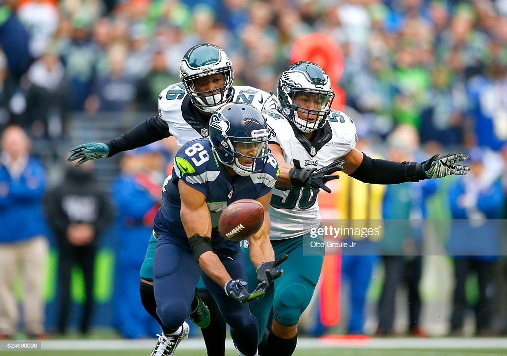 Wide receiver Doug Baldwin #89 of the Seattle Seahawks can't hold on to a pass against the Philadelphia Eagles at CenturyLink Field on November 20, 2016 in Seattle, Washington.