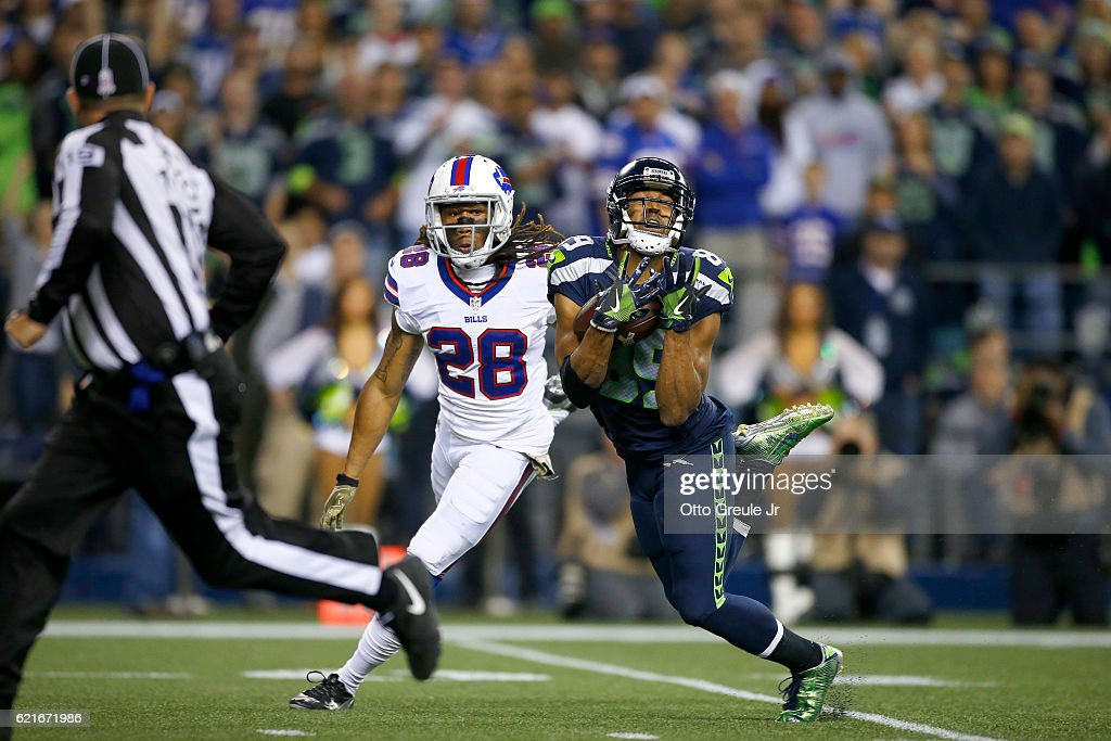 Wide receiver Doug Baldwin #89 of the Seattle Seahawks pulls in a long reception against cornerback Ronald Darby #28 of the Buffalo Bills at CenturyLink Field on November 7, 2016 in Seattle, Washington.