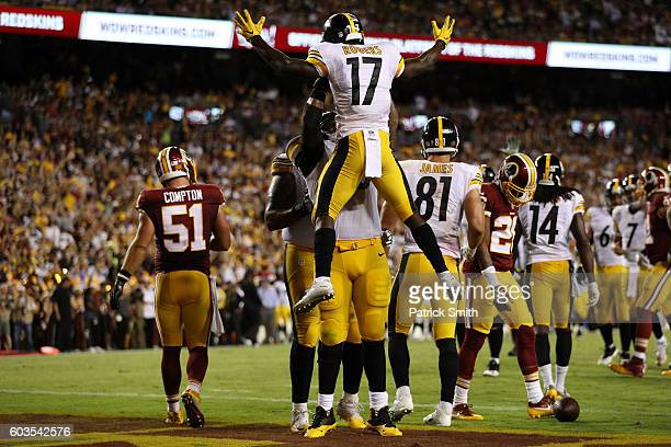 Wide receiver Eli Rogers of the Pittsburgh Steelers celebrates after scoring a second quarter touchdown against the Washington Redskins at FedExField...