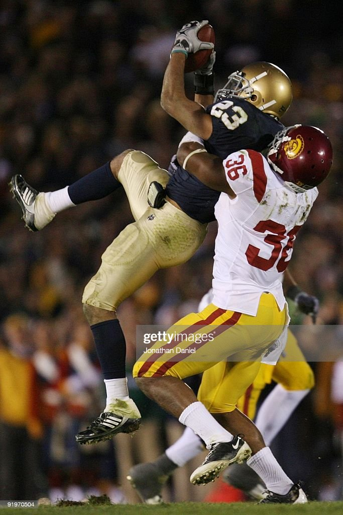 USC v Notre Dame : News Photo