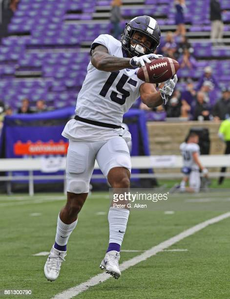 Wide receiver Jaelan Austin of the TCU Horned Frogs warms up during pregame activities prior to the start of the game against the Kansas State...