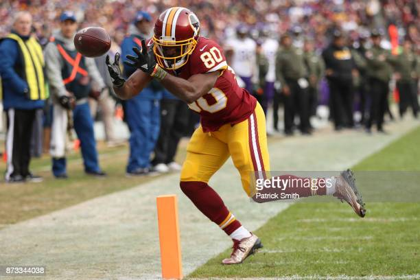 Wide receiver Jamison Crowder of the Washington Redskins attempts to make a catch during the fourth quarter against the Minnesota Vikings at...
