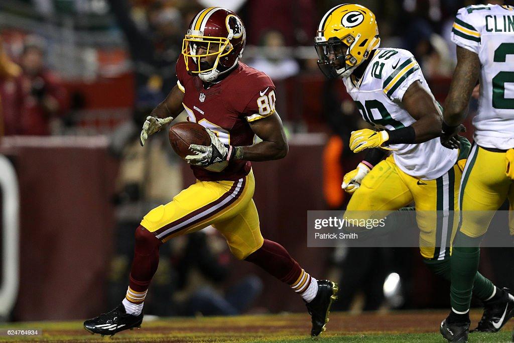 Green Bay Packers v Washington Redskins : News Photo