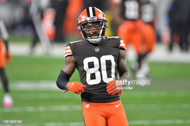 Wide receiver Jarvis Landry of the Cleveland Browns warms up prior to the game against the Baltimore Ravens at FirstEnergy Stadium on December 14,...