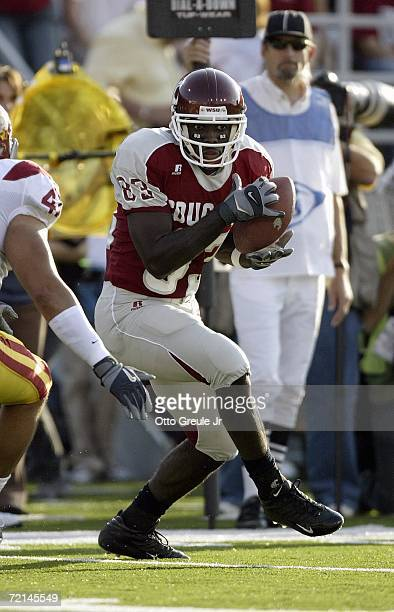 Wide receiver Jason Hill of the Washington State Cougars catches a pass during the game against the USC Trojans on September 30 2006 at Martin...