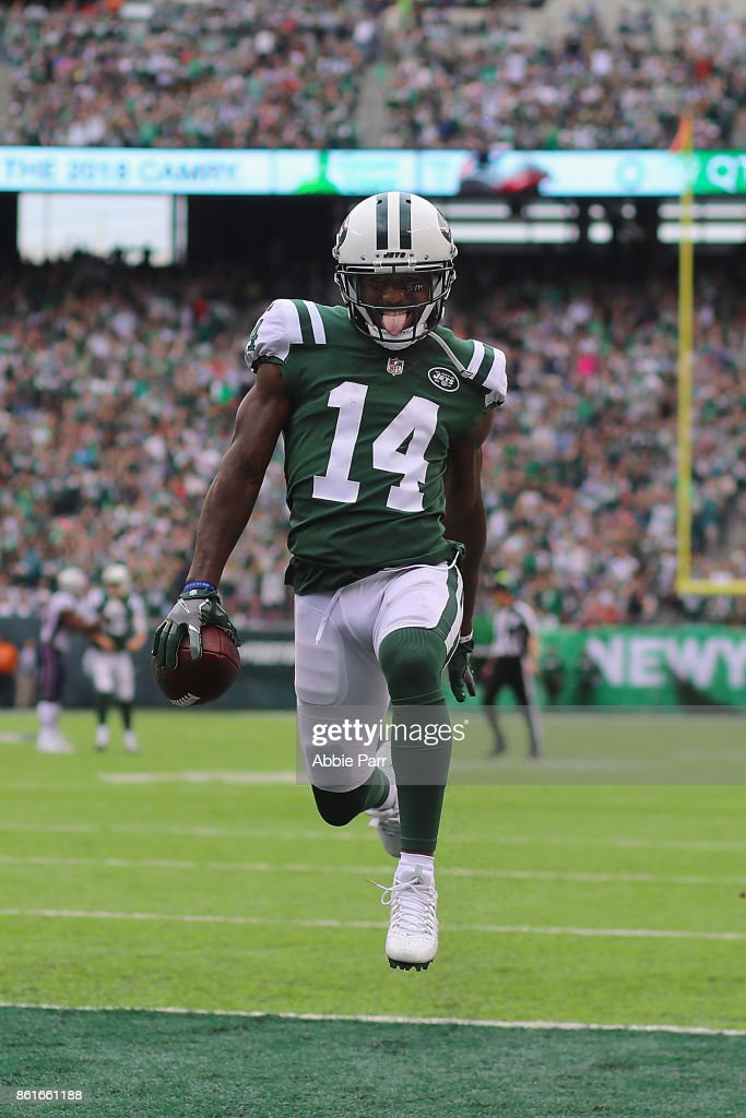 Wide receiver Jeremy Kerley #14 of the New York Jets runs in a 31-yard touchdown against the New England Patriots during the second quarter of their game at MetLife Stadium on October 15, 2017 in East Rutherford, New Jersey.