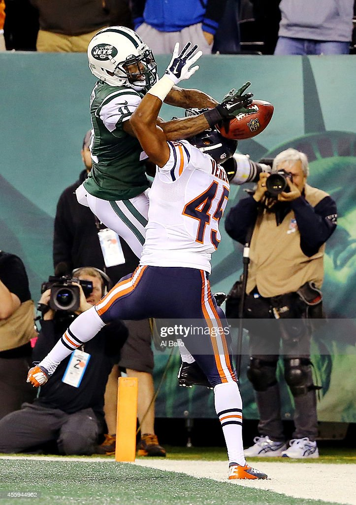 Wide receiver Jeremy Kerley #11 of the New York Jets tries to make a catch as strong safety Brock Vereen #45 of the Chicago Bears defends in the closing minutes during a game at MetLife Stadium on September 22, 2014 in East Rutherford, New Jersey.