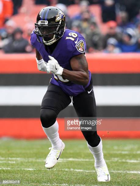 Wide receiver Jeremy Maclin of the Baltimore Ravens runs a route in the first quarter of a game on December 17 2017 against the Cleveland Browns at...