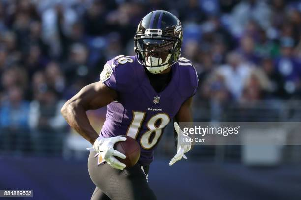 Wide Receiver Jeremy Maclin of the Baltimore Ravens runs with the ball in the first quarter against the Detroit Lions at MT Bank Stadium on December...