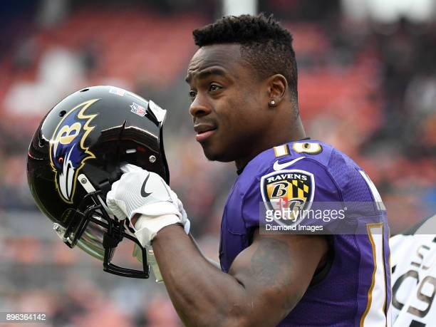 Wide receiver Jeremy Maclin of the Baltimore Ravens walks onto the field in the first quarter of a game on December 17 2017 against the Cleveland...
