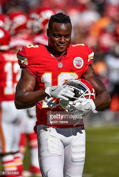 Wide receiver Jeremy Maclin of the Kansas City Chiefs has a wry smile after the chiefs picked up a third down and seventeen late in the game against...