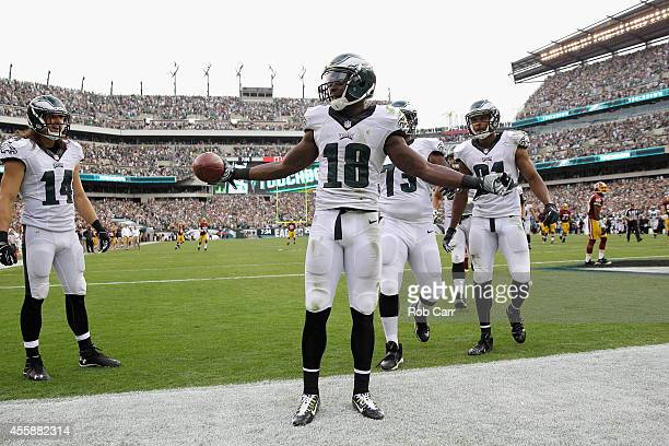 Wide receiver Jeremy Maclin of the Philadelphia Eagles celebrates after catching a touchdown pass in the fourth quarter during the Eagles 37-34 win...
