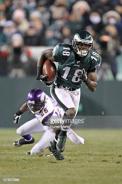 Wide receiver Jeremy Maclin of the Philadelphia Eagles runs with the ball during a game against the Minnesota Vikings at Lincoln Financial Field on...