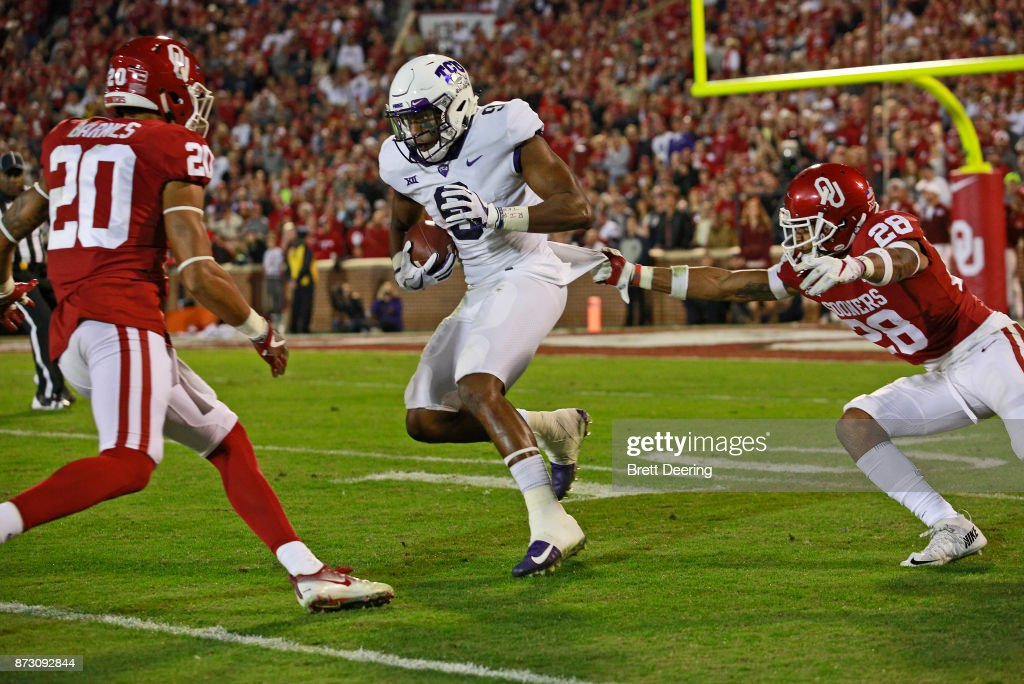TCU v Oklahoma : News Photo