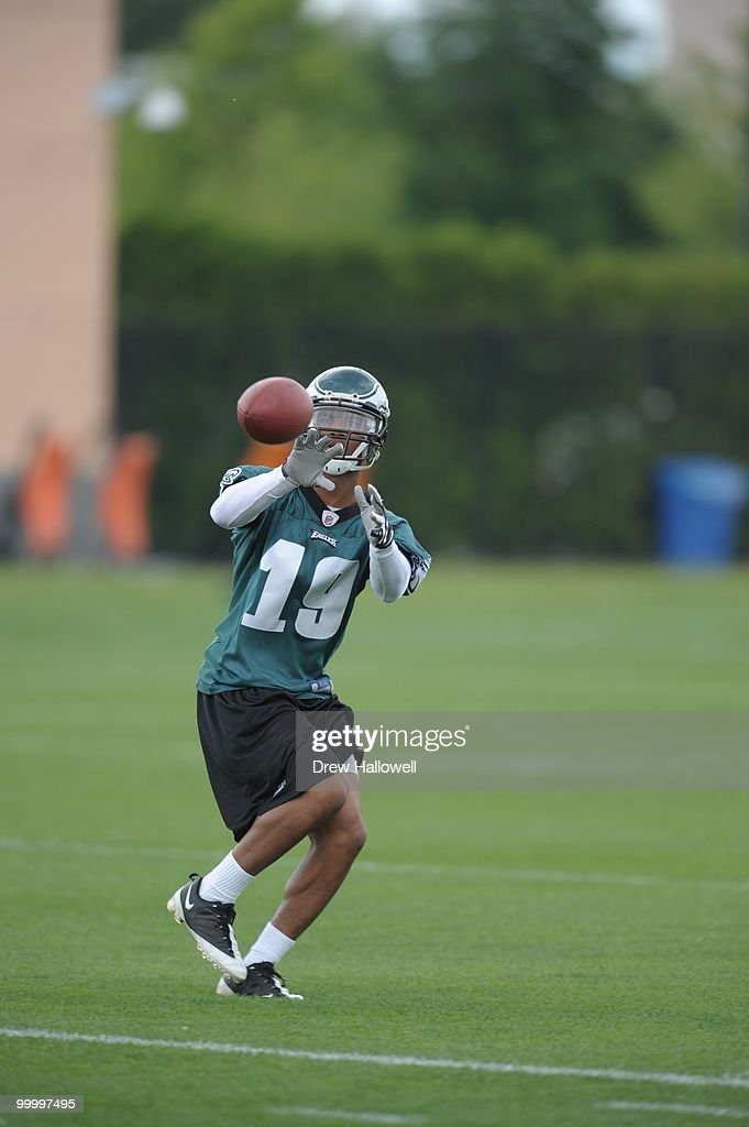 Wide receiver Jordan Norwood #19 of the Philadelphia Eagles catches a pass during practice on May 19, 2010 at the NovaCare Complex in Philadelphia, Pennsylvania.