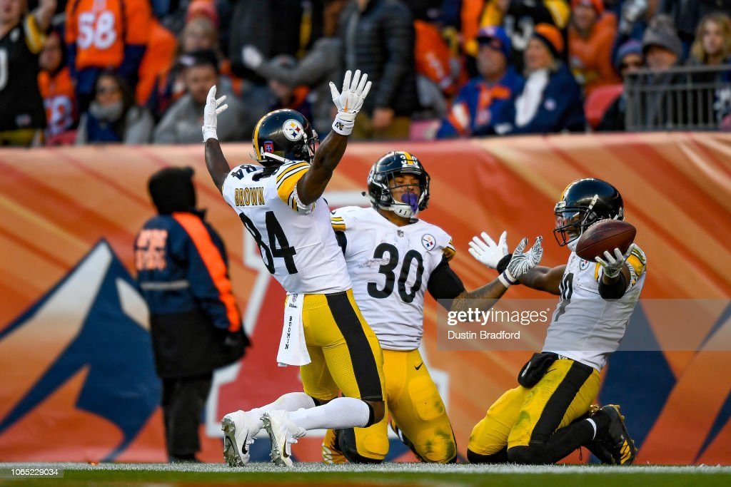 9fdcd8bc6 Wide receiver JuJu Smith-Schuster of the Pittsburgh Steelers... News ...