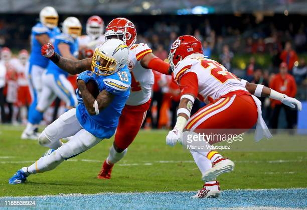 Wide receiver Keenan Allen of the Los Angeles Chargers scores a touchdown over the Kansas City Chiefs on the third quarter of the game at Estadio...