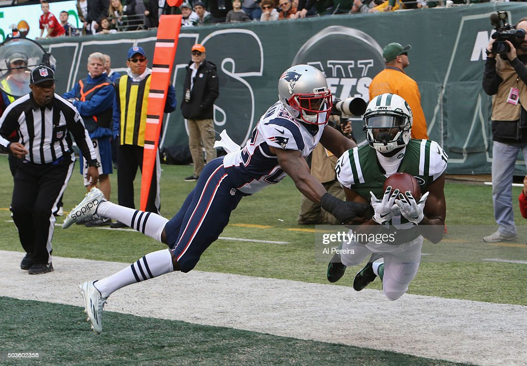 Wide Receiver Kenbrell Thompkins #10 of the New York Jets dives for a ball in the end zone against the New England Patriots at MetLife Stadium on December 27, 2015 in East Rutherford, New Jersey.