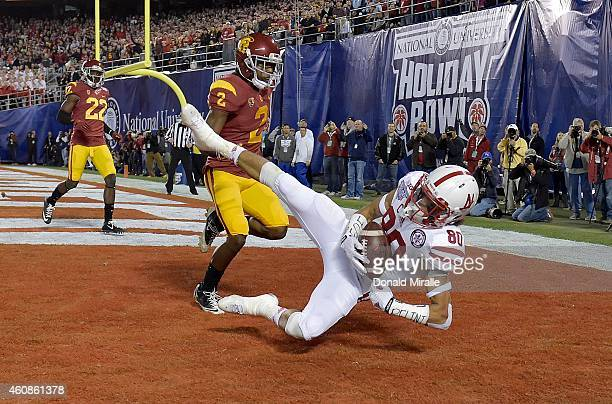 Wide Receiver Kenny Bell of the Nebraska Cornhuskers catches a touchdown pass against Adoree Jackson of the USC Trojans during the National...