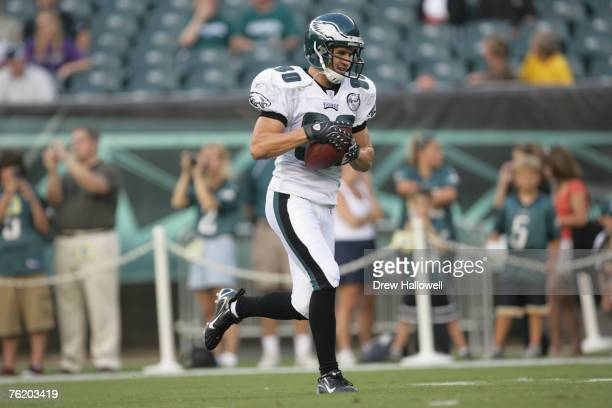 Wide receiver Kevin Curtis of the Philadelphia Eagles runs with the ball before the game against the Carolina Panthers on August 17, 2007 at Lincoln...