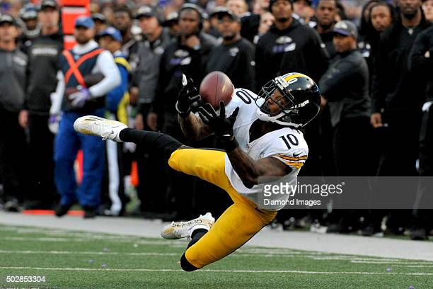 Wide receiver Martavis Bryant of the Pittsburgh Steelers dives to catch a pass during a game against the Baltimore Ravens on December 27 2015 at MT...
