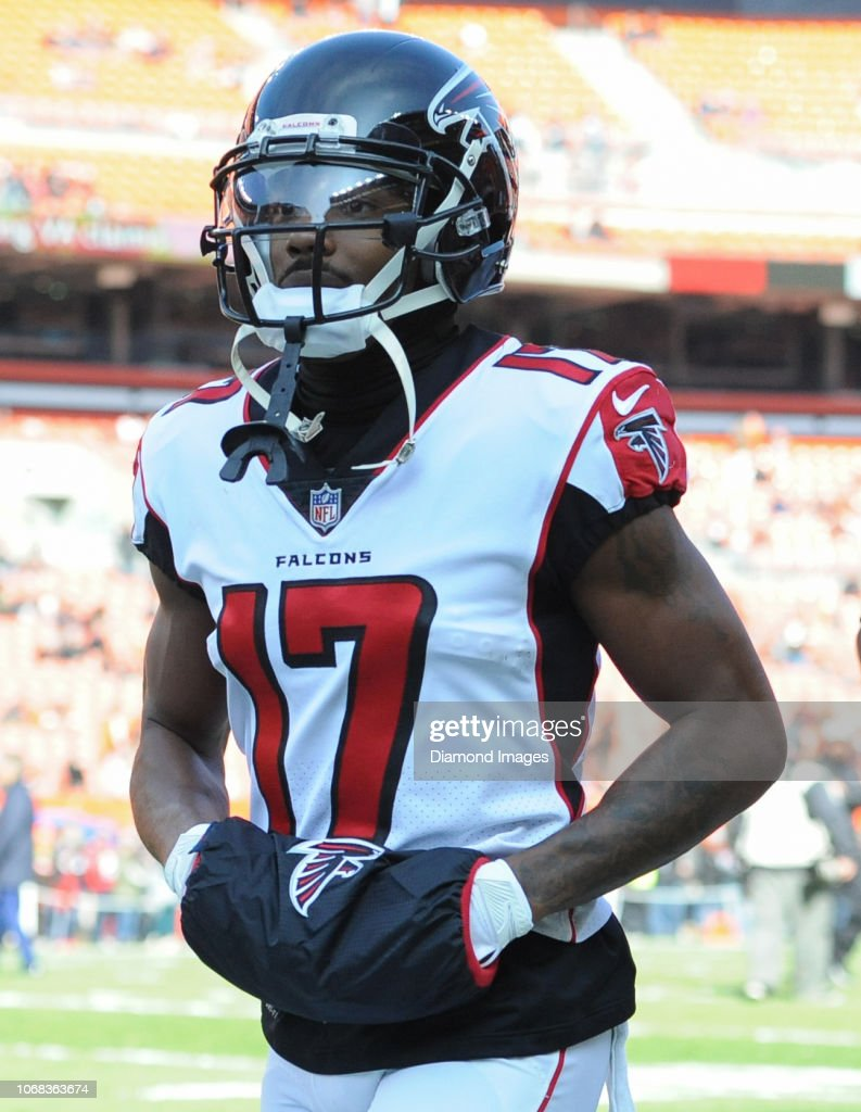 huge discount 11043 54434 Wide receiver Marvin Hall of the Atlanta Falcons runs off ...