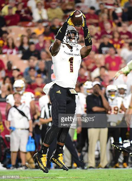 Wide receiver N'Keal Harry of the Arizona State Sun Devils makes a catch during the third quarter against the USC Trojans at Los Angeles Coliseum on...