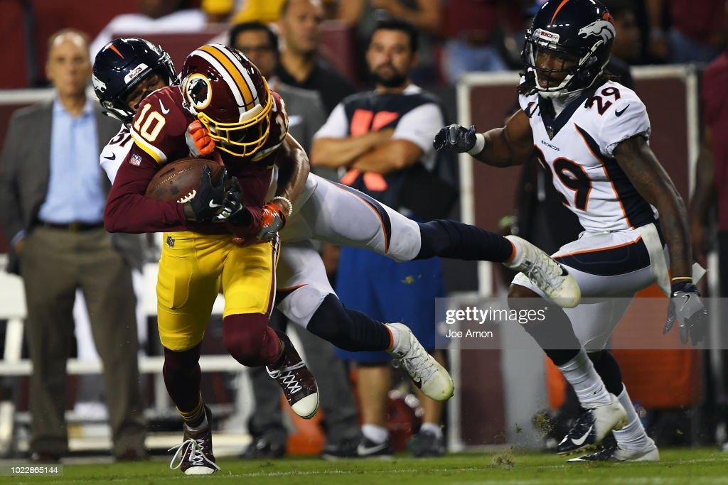 Denver Broncos vs the Washington Redskins : News Photo