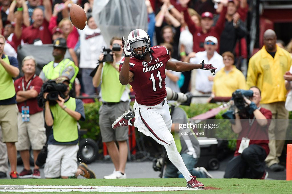 Central Florida v South Carolina : News Photo