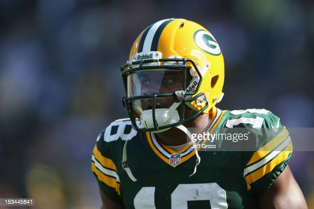 Wide receiver Randall Cobb of the Green Bay Packers warms up prior to the start of the game against the New Orleans Saints at Lambeau Field on...