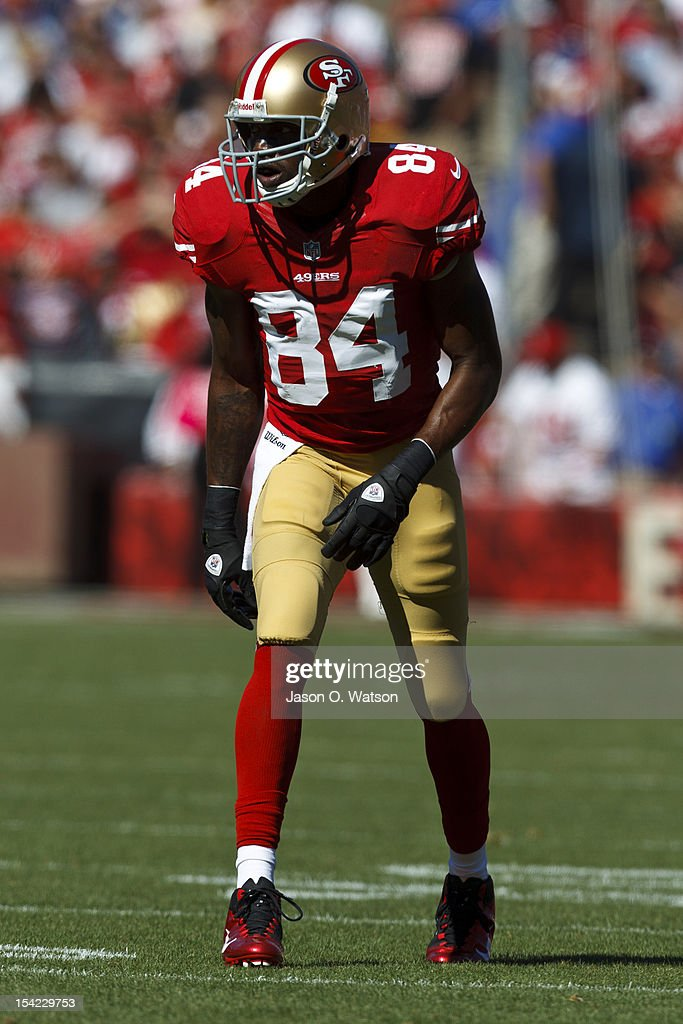 07706a2336a Wide receiver Randy Moss of the San Francisco 49ers lines up for a ...