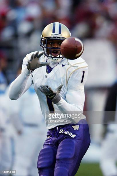 Wide receiver Reggie Williams of the University of Washington Huskies prepares to receive the ball during the Pac10 NCAA game against the Washington...