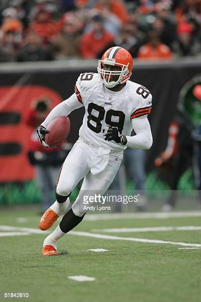 Wide receiver Richard Alston of the Cleveland Browns carries the ball against the Cincinnati Bengals during the game at Paul Brown Stadium on...