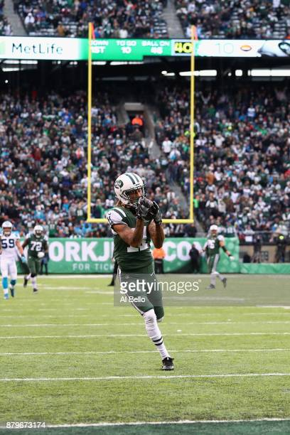 Wide receiver Robby Anderson of the New York Jets makes a catch which lead to a touchdown during the third quarter of the game at MetLife Stadium on...