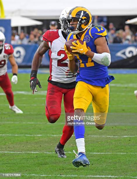 Wide receiver Robert Woods of the Los Angeles Rams catches a pass in front of cornerback Patrick Peterson of the Arizona Cardinals in the game at the...