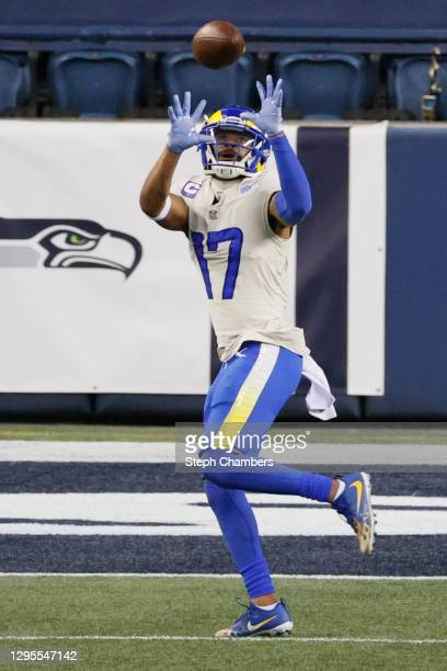 Wide receiver Robert Woods of the Los Angeles Rams completes a reception and rushes for a touchdown during the fourth quarter of the NFC Wild Card...