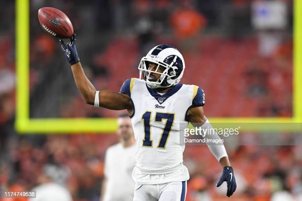 Wide receiver Robert Woods of the Los Angeles Rams warms up prior to a game against the Cleveland Browns on September 22, 2019 at FirstEnergy Stadium...