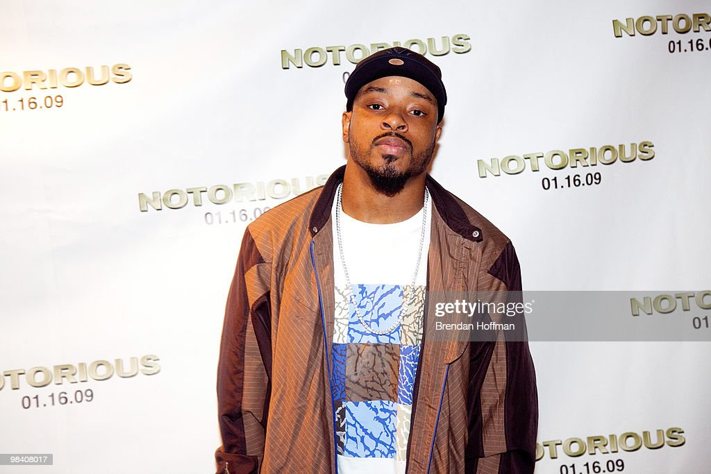 Wide receiver Santana Moss of the Washington Redskins attends a screening of 'Notorious' January 13, 2009 in Washington, DC. The film, to be released January 16, is about the life of hip-hop artist Notorious B