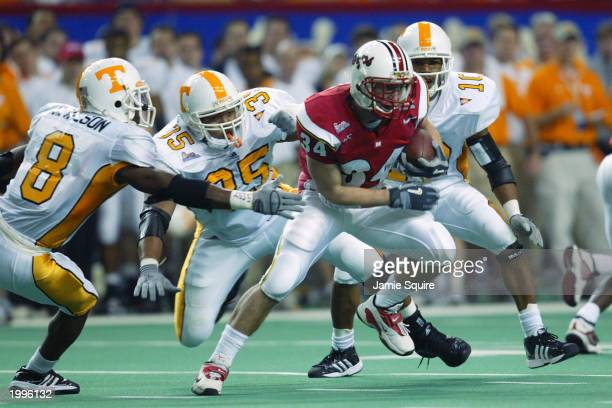Wide receiver Steve Suter of the University of Maryland Terrapins carries the ball against the University of Tennessee Volunteers during the...