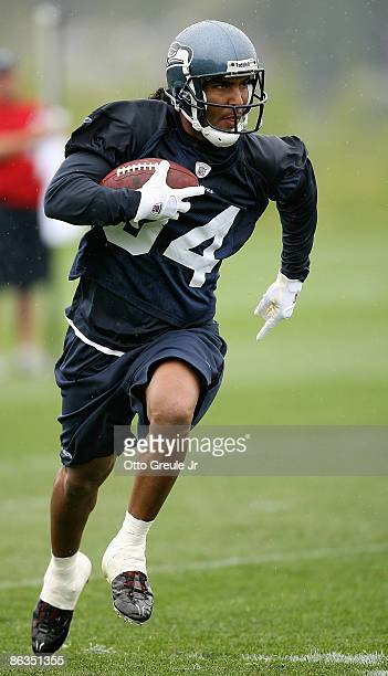Wide receiver T.J. Houshmandzadeh of the Seattle Seahawks rushes during minicamp at the Seahawks' training facility on May 2, 2009 in Renton,...