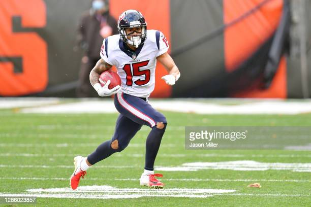 Wide receiver Will Fuller of the Houston Texans runs for a gain after a reception during the second quarter against the Cleveland Browns at...