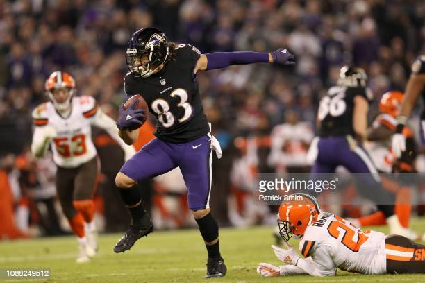 Wide Receiver Willie Snead of the Baltimore Ravens runs with the ball in the second quarter against the Cleveland Browns at MT Bank Stadium on...