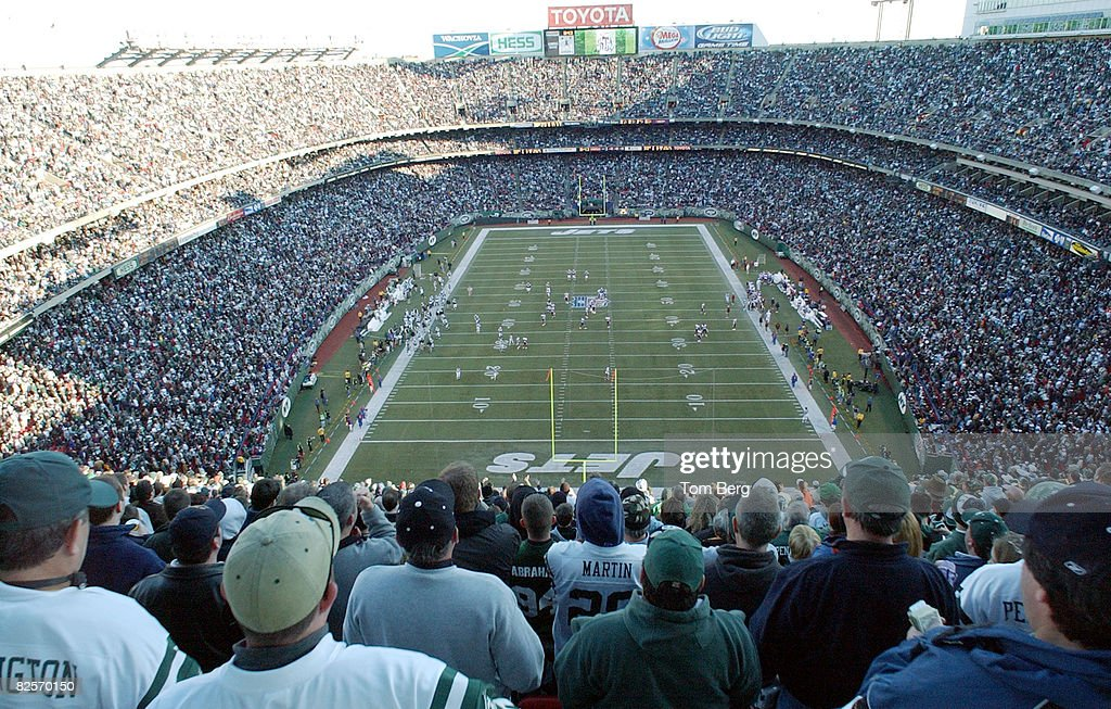timeless design b2b5d 74318 Wide-angle view of Giants Stadium as New York Jets play ...