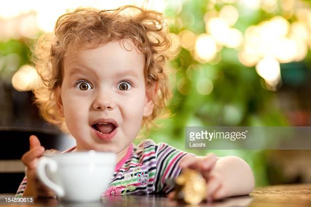 olhos abertos - surprise face kid - fotografias e filmes do acervo
