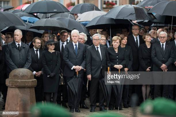 Widow of former German Chancellor Helmut Kohl Maike KohlRichter Former US President Bill Clinton President of the EU Commission JeanClaude Juncker...