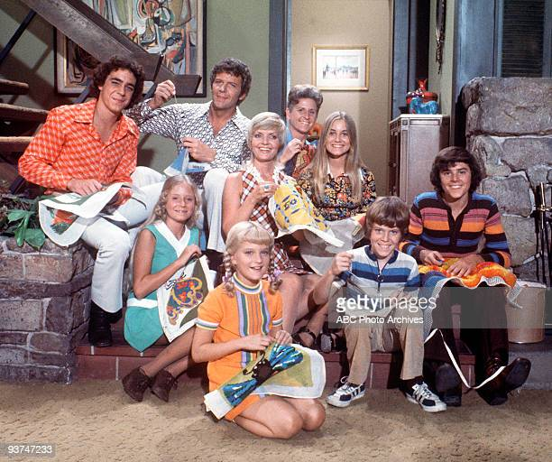 BUNCH 10/28/70 TRACKING Widower Mike Brady an architect with three sons married Carol a widow with three daughters Their combined family from left...