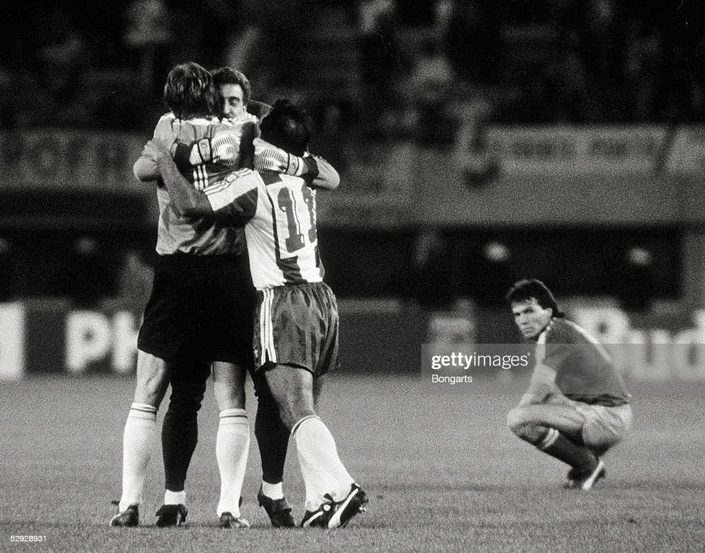 FUSSBALL: FINALE EUROPAPOKAL DER LANDESMEISTER 1987 FC PORTO : News Photo